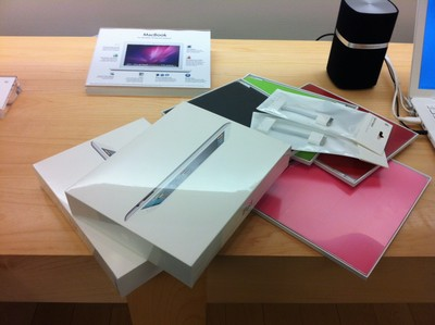 iPad 2 online orders now on truck for delivery!