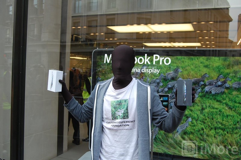 First iPhone 5 owner at Regent Street in London