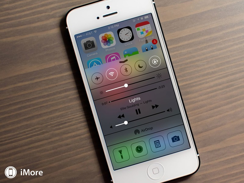 How to quickly access music and podcast apps with iOS 7 Control Center