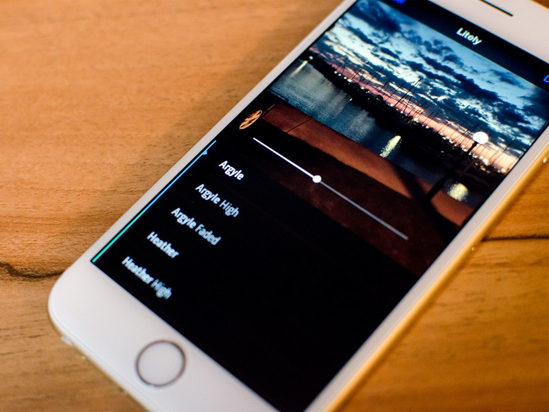 How to use photo and video extensions in iOS 8
