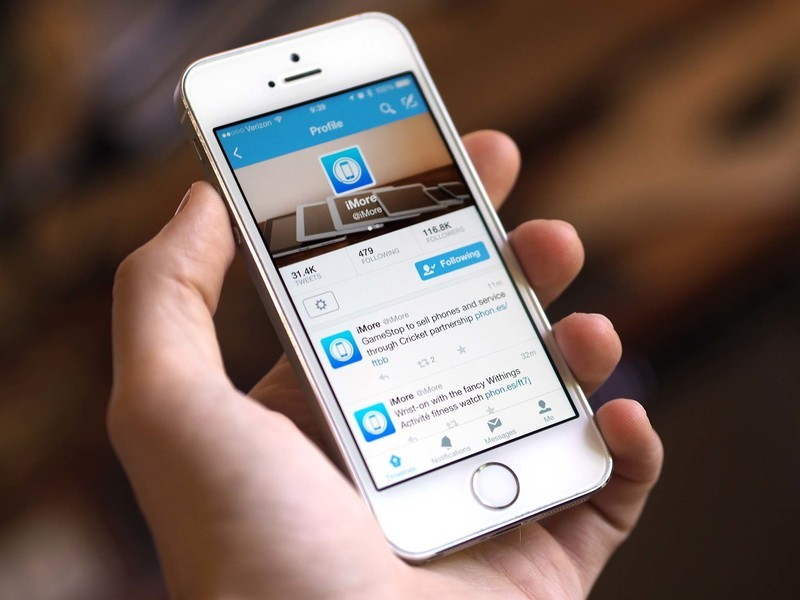 Twitter's testing 'buy' buttons so you can buy stuff through Twitter's app