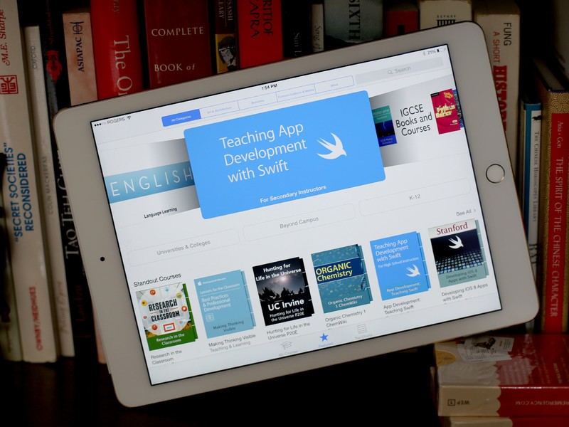 Apple makes iTunes U even better for iPad and education