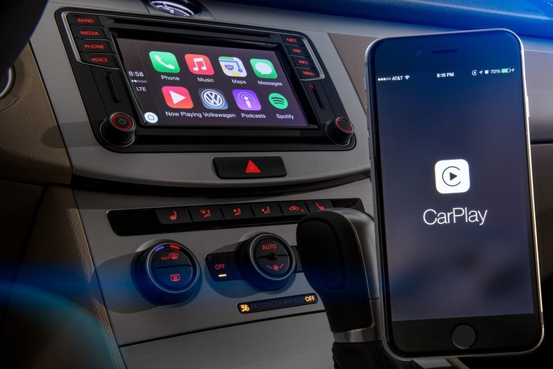 volkswagen-carplay.jpg?itok=mp5cV_GA