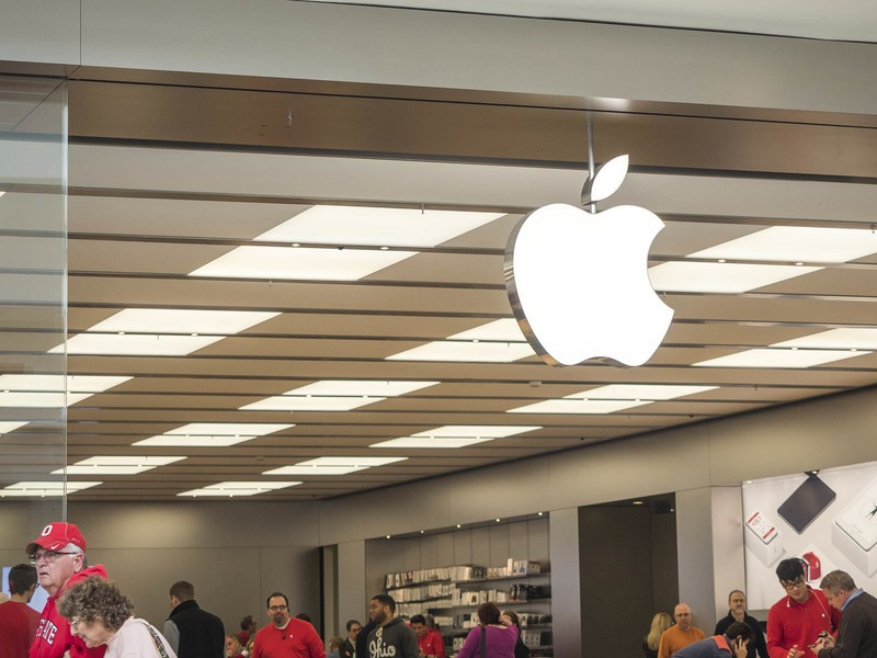 Apple reportedly close to deal to open retail stores in ...