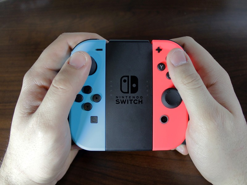 How to Deal with Loose Joy-Cons Joy-Con in Hands