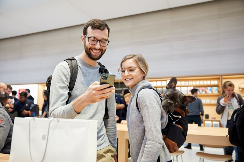 iPhone 11 Pro in store with customers