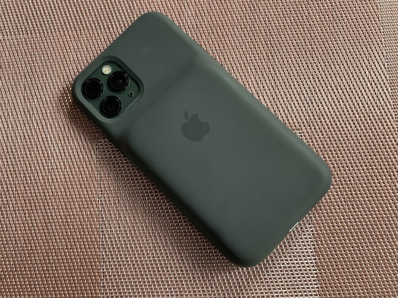 airpods pro case backside