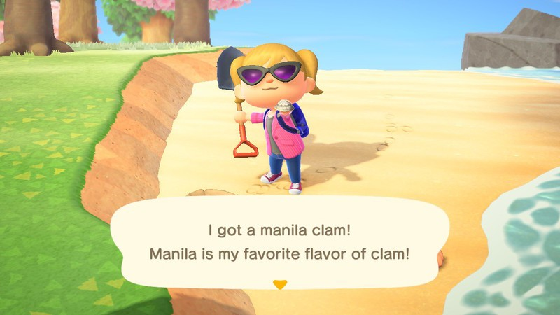 Player holding a Manila Clam