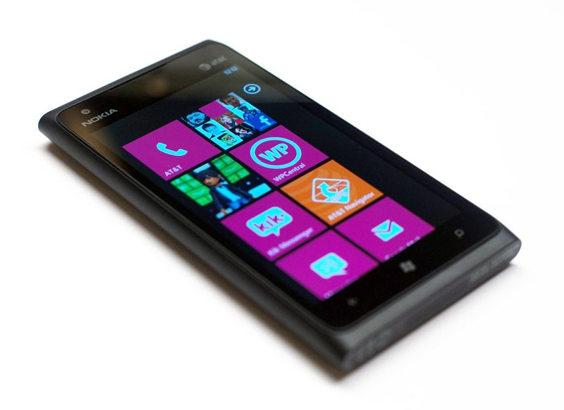 Nokia Lumia 900 Windows Phone gets reviewed: This is what AT&T will push over the iPhone