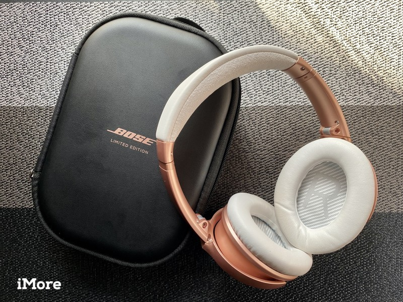 Rose Gold Bose QuietComfort 35 II with case