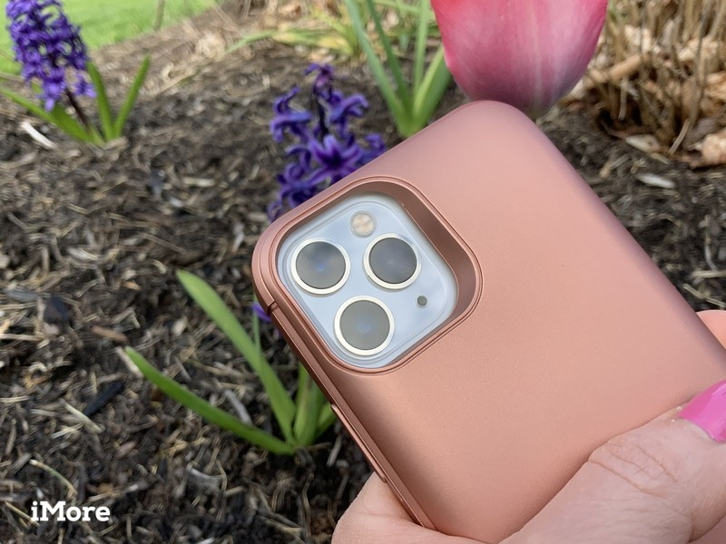 Casely Battery-Powered Charging Case on iPhone 11 Pro