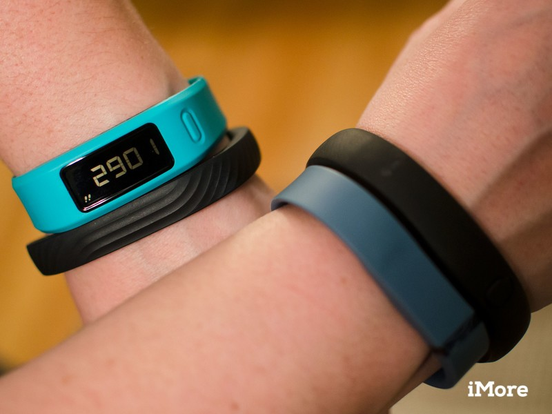 Nike shows off Fuelband SE activity-tracking wristband - BBC News