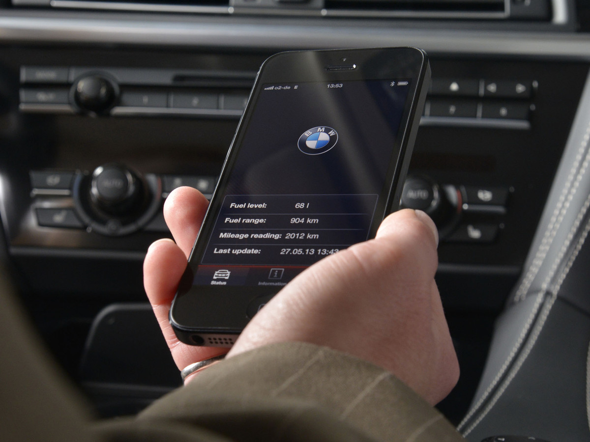 "Siri ""Eyes Free"" mode coming to 2014 BMWs"