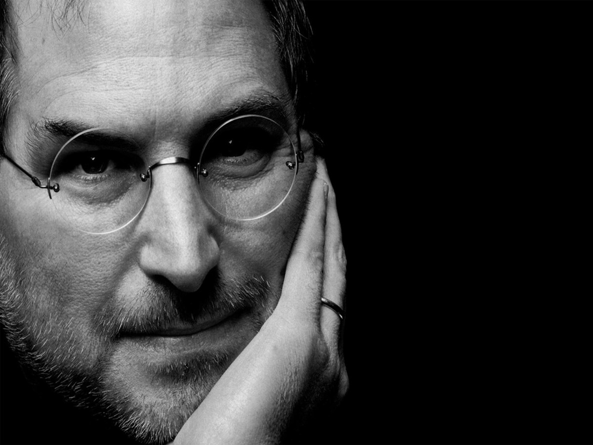 Former Apple CEO John Scully says Apple sells experiences