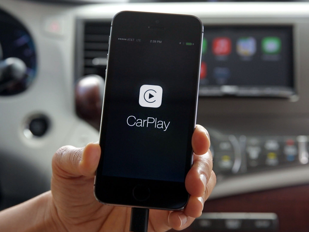 Pioneer shows off their slick CarPlay integration for aftermarket car stereos