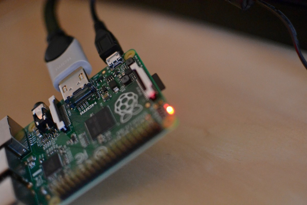 Power indicator on Raspberry Pi