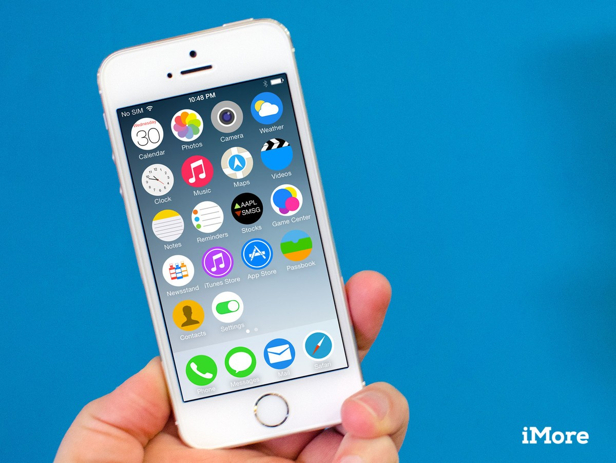 Apple iPhone 5S review Same look small screen big