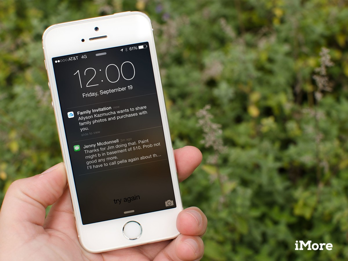How to accept a Family Sharing invitation with iOS 8