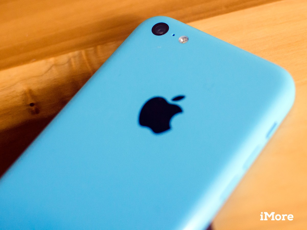 How to replace the rear camera in an iPhone 5c