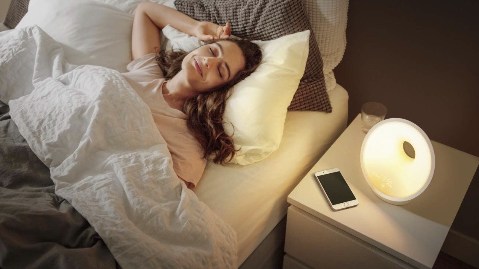 Philips iPhone Controlled Wake-Up Light with Colored Sunrise Simulation White