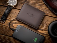 This smart wallet is jam-packed with handy features!