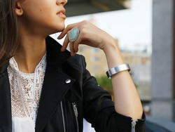 This bracelet can almost charge your phone