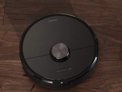Let something else clean with the Roborock S6 robotic vacuum down to $450