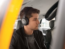 Bose's renewed QuietComfort 25 Noise-cancelling Headphones are down to $90