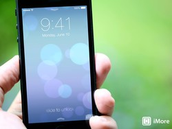 iOS 7 preview: Lock screen gains access to notifications, controls, some confusion