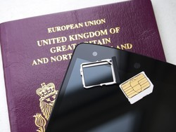 European Union vote clears the way to end roaming charges, enforce net neutrality