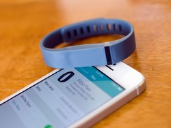 Fitbit Flex is a new, colorful way to count steps