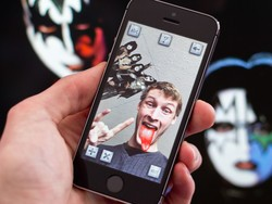 KISS Photo Bomb app can add rock and roll to all of your pictures