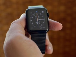 Space Black Apple Watch (steel) in pictures