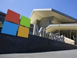 Microsoft joins other in brief supporting Apple