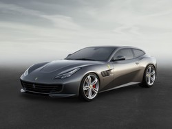 Ferrari continues to support CarPlay with latest releases