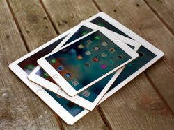 Should you upgrade to the iPad (2017) or iPad mini 4?