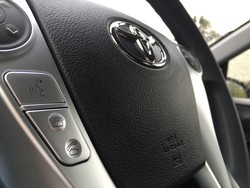 How to use Siri Eyes Free in your Toyota automobile