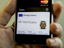 UK drivers could soon store their licenses on their iPhones