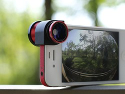Grab an iPhone SE Olloclip for just $52 today!