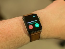 Answer phone calls on your Apple Watch and leave your iPhone in your pocket