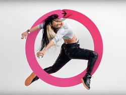 Apple Watch Series 2 ad gets you to dance, run, ROCK!