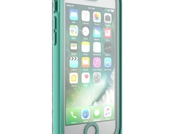 Save $30 on this protective waterproof iPhone 7 Plus case today!
