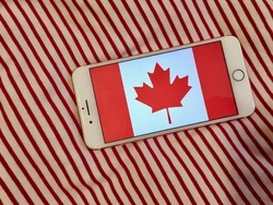 How to snap festive Canada Day photos with your iPhone!