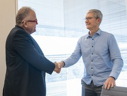 Tim Cook hails the power of diversity in interview with People en Español
