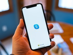 Get in touch with others using Skype's group calls feature
