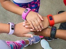 Replace your kid's Garmin Vivofit Jr. 2's band with the best stretchy ones