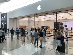 Apple Stores are now offering 'Shop with a Specialist' appointments