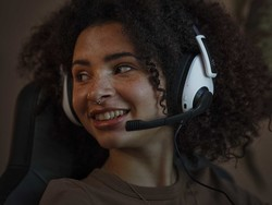 This new gaming headset works via Bluetooth, wired connection, or both