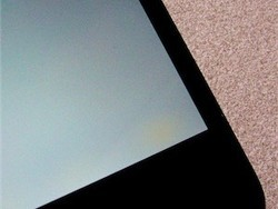 Some iPhone 4 showing yellow blotches on Retina Display?