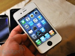 Teen who made $130,000 selling white iPhone 4 conversion kits shuts down site